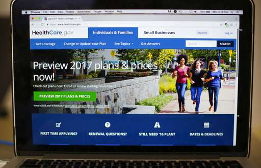 Gov't report: Efforts to reduce US uninsured stalled in 2016