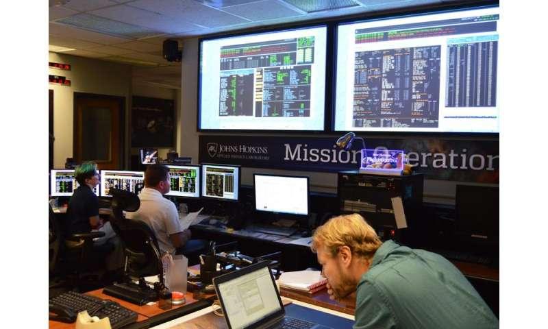 Hibernation over, New Horizons continues its Kuiper Belt cruise