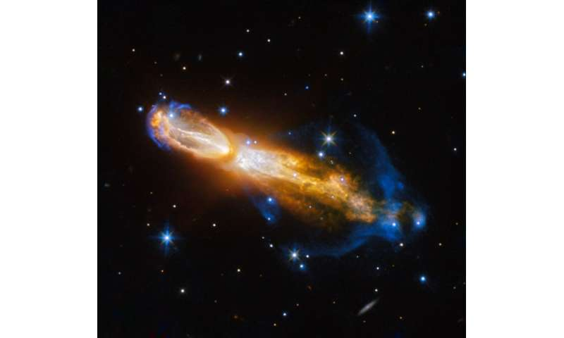 Hubble captures brilliant star death in 'rotten egg' nebula