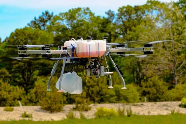 Hybrid drones carry heavier payloads for greater distances