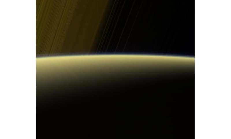 Image: Haze on the Saturn horizon