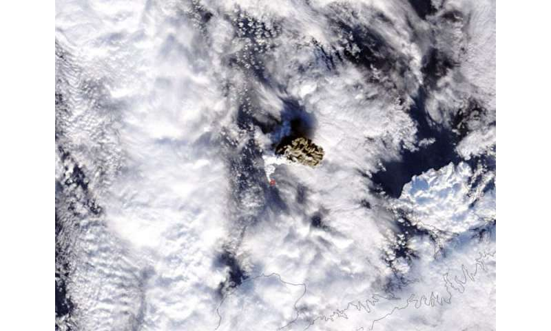 Image: NASA's Terra satellite sees Alaskan volcanic eruption wrapped in white