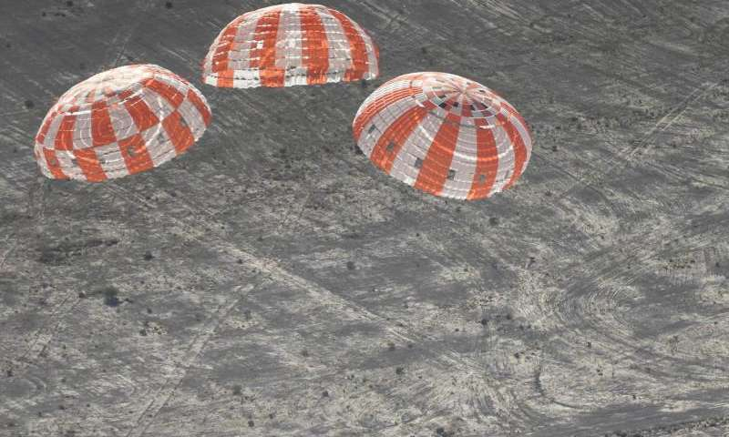 Image: Orion parachutes measure up in high pressure test