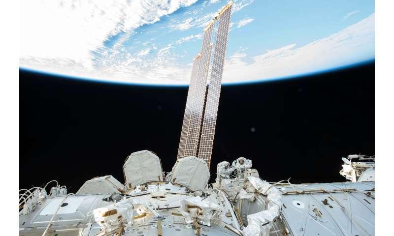 Image: Randy Bresnik and Mark Vande Hai spacewalk