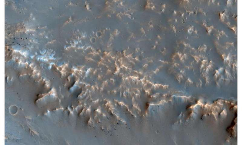 Image: Well-preserved impact ejecta on Mars
