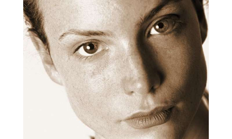 Immediate wound closure after laser improves skin tightening