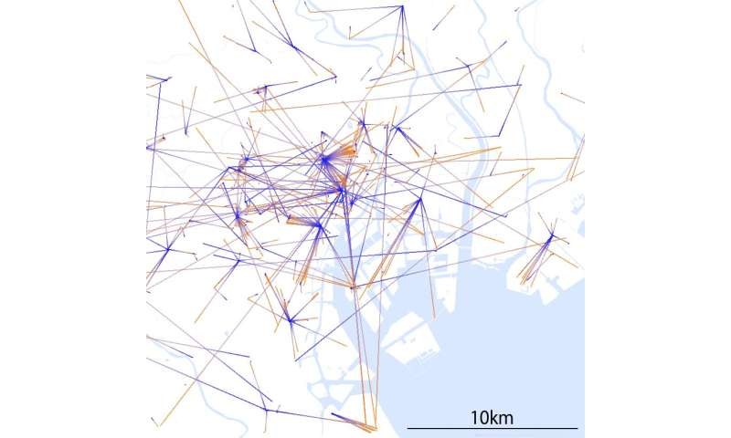 Information extraction and visualization from Twitter considering spatial structure