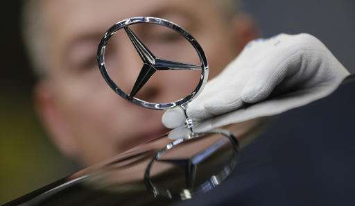 Mercedes-Benz luxury cars fuel fat profits at Daimler