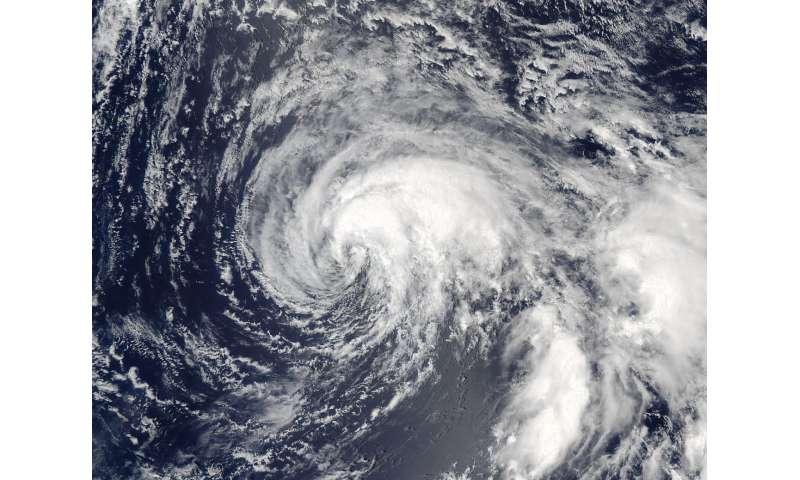 NASA spies wind shear still affecting Tropical Storm Nalgae