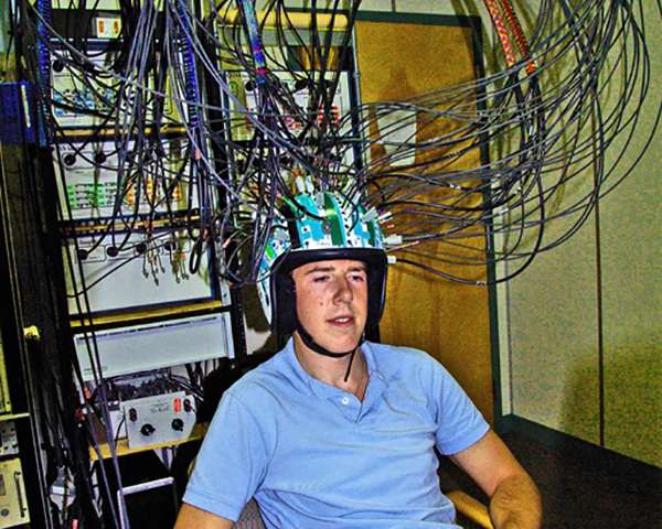 New equipment maps brain activity and blood flow in state-of-the-art neuroscience lab
