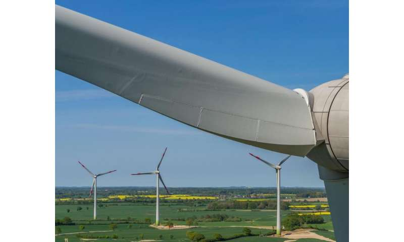 New radar scanner tests wind turbine blades for defects