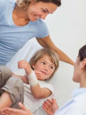 Parents can help soothe burns treatment stress