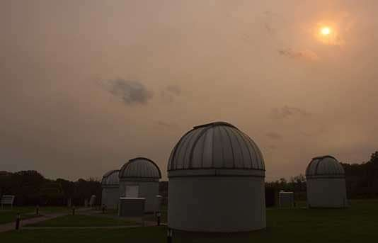 Physicists track atmospheric particles producing Monday's red sky