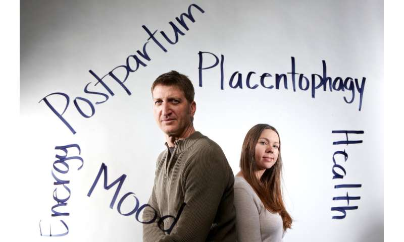 Placenta consumption offers few benefits for new moms