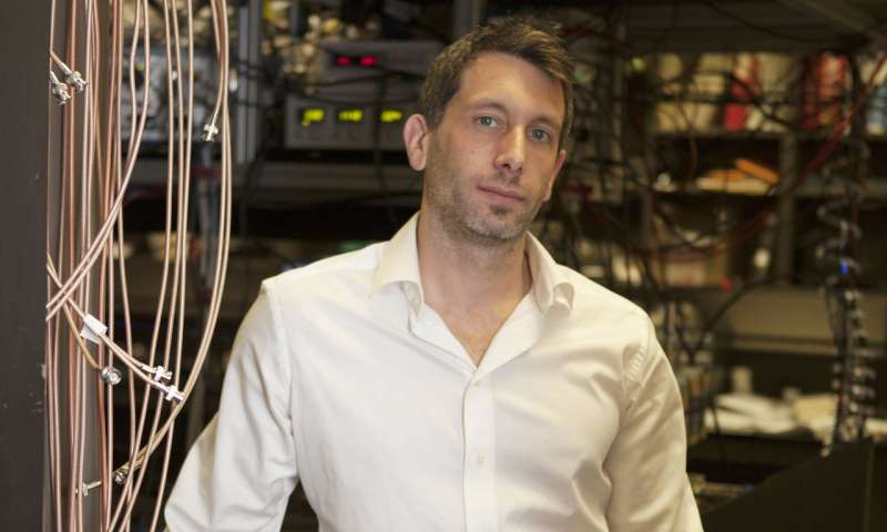 Quantum trick blocks background 'chatter' in sensing devices