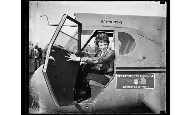 Researcher to review evidence of Amelia Earhart theory