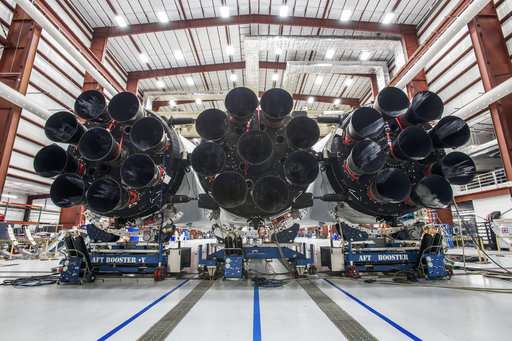 SpaceX unveils new Falcon Heavy rocket before January launch