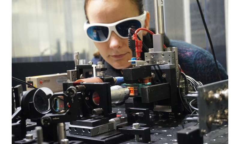 Spin current from heat—new material increases efficiency