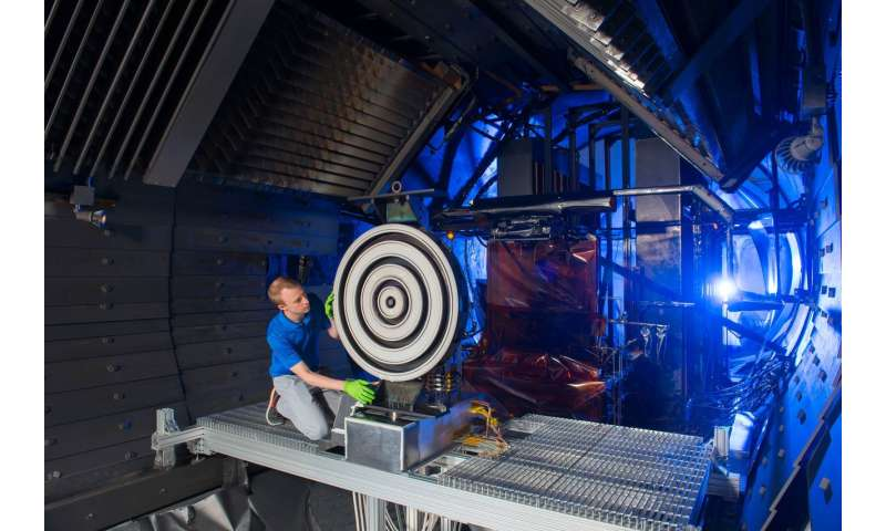 Thruster for Mars mission breaks records