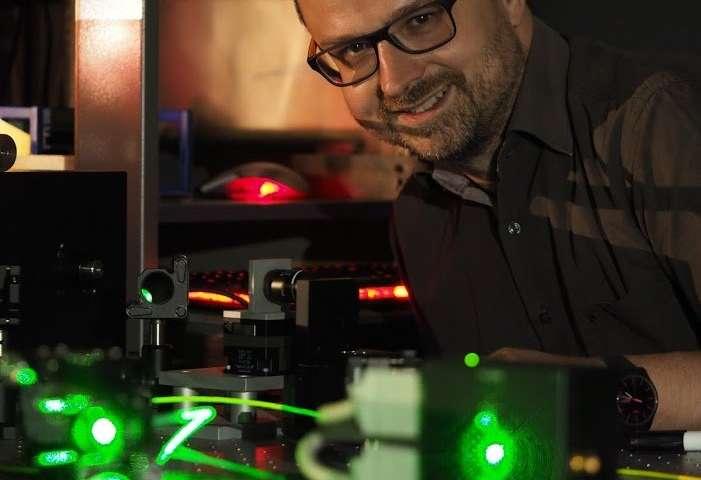 Tiny diamonds light the way for new quantum technologies