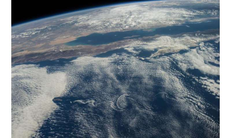 Too soon to say if climate is changing cloud heights
