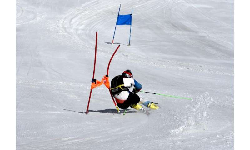 Using magnetic gates to track slalom skiers' performance