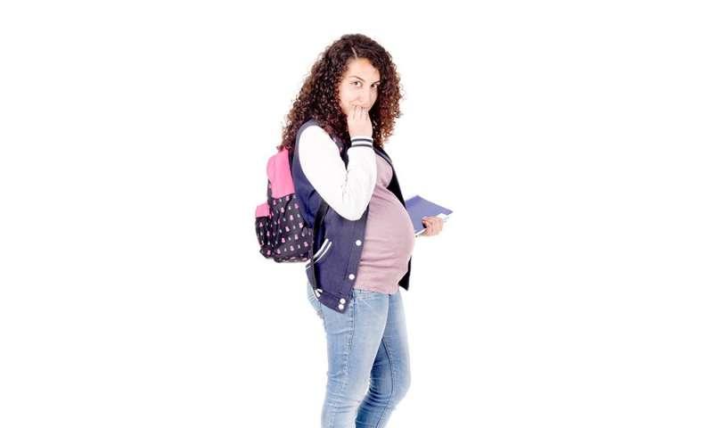 U.S. teen births hit historic low: CDC