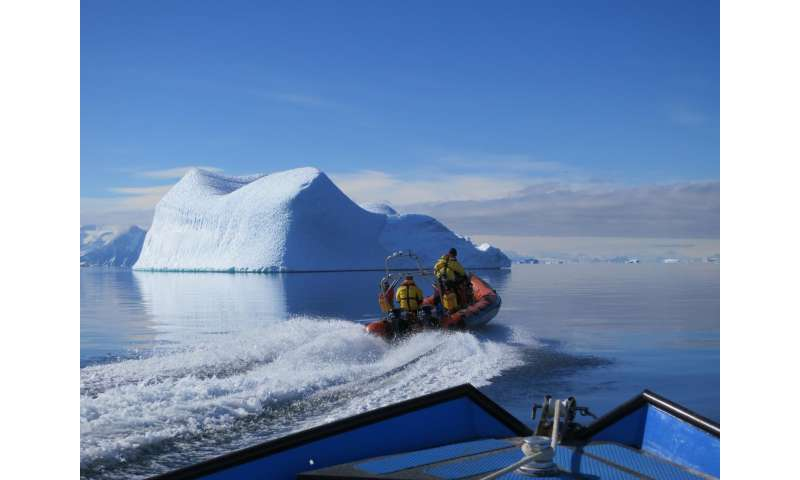 What changes when you warm the Antarctic Ocean just 1 degree? Lots