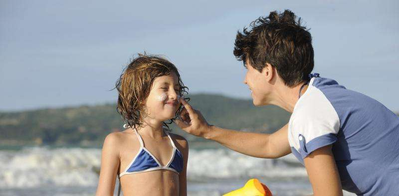 Your sunscreen may be polluting the ocean – but algae could offer a natural alternative