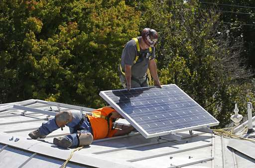 California may require solar panels on new homes in 2020