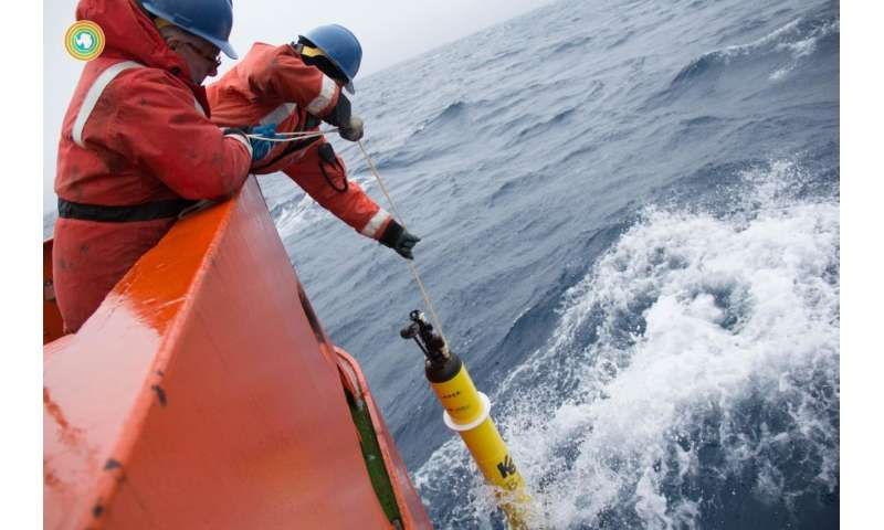 Diving robots find Antarctic winter seas exhale surprising amounts of carbon dioxide