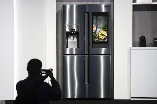 Got batteries? Outage stalls giant tech show in Las Vegas