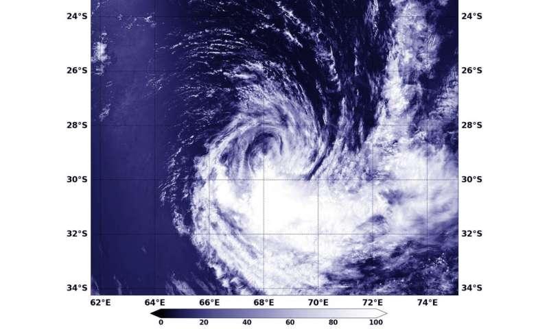 NASA's Aqua satellite finds wind shear hitting Tropical Storm Irving