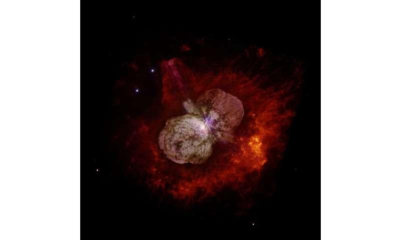NASA's NuSTAR mission proves superstar Eta Carinae shoots cosmic rays
