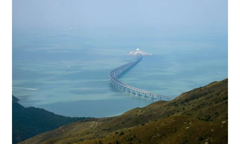 The world's longest sea bridge will connect Hong Kong, Macau and mainland China