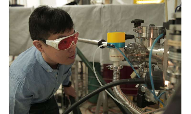 Researchers solve a materials mystery key to next-generation electronic devices