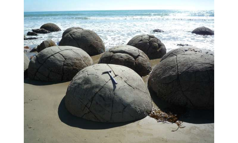 Researchers resolve the formation mechanism of spherical carbonate concretions
