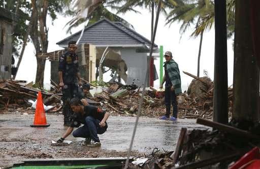 Indonesia says avoid coast near volcano, fearing new tsunami