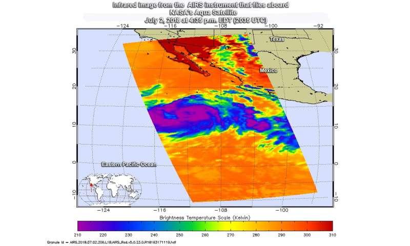 Infrared NASA image reveals Hurricane Fabio's power