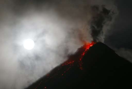 Lava spreads more than 2 miles from Philippine volcano
