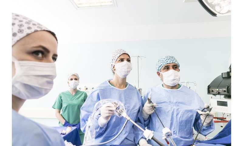 Minimally invasive surgeries underused in older patients, new study finds