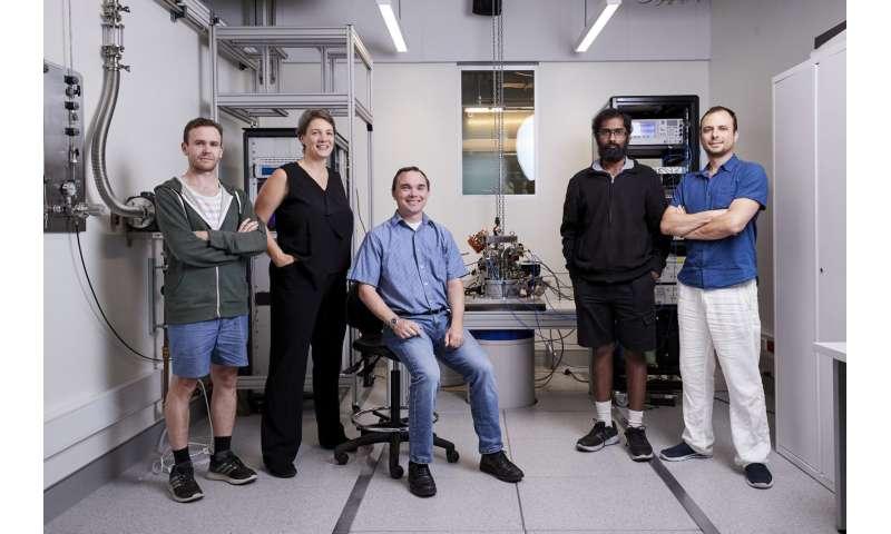 Quantum computing at scale: Australian scientists achieve compact, sensitive qubit readout