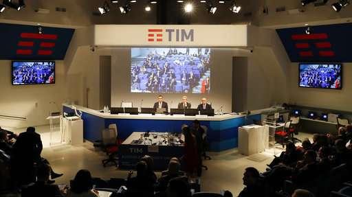 US hedge fund in showdown with Vivendi over Telecom Italia