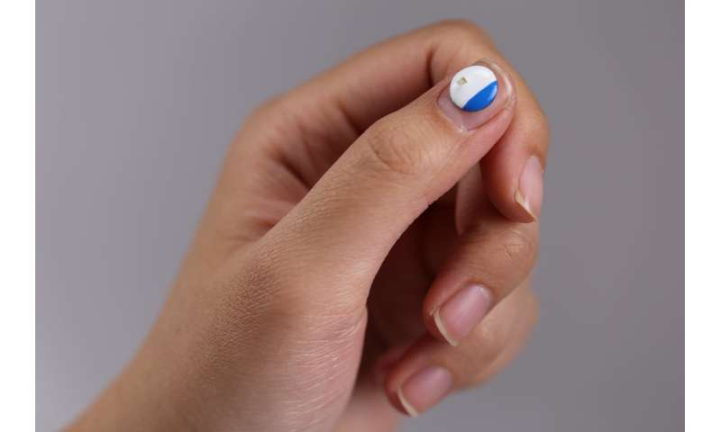 World's smallest wearable device warns of UV exposure, enables precision phototherapy