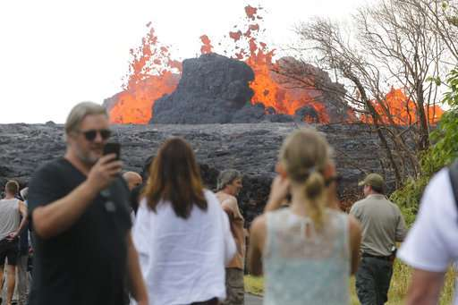 Hawaii officials order some residents to flee from fast lava
