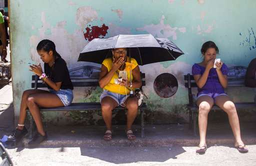 Cubans getting early taste of mobile internet in system test