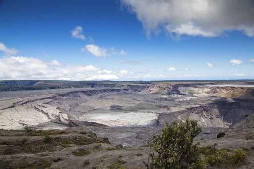 Scientists downgrade alert level for Hawaii volcano