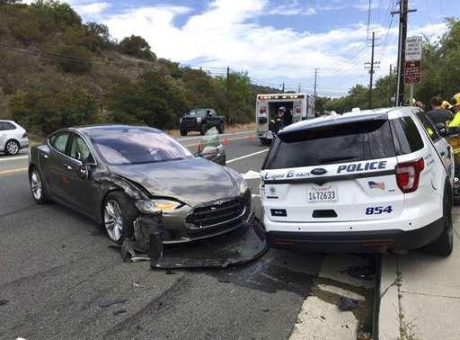 Tesla in Autopilot mode crashes into California police car