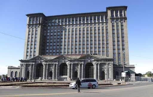 Ford: Detroit train station key to autonomous vehicle plans