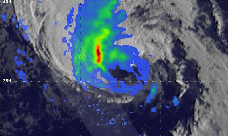 NASA sees Hurricane Oscar transitioning to extratropical low